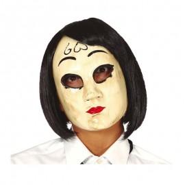 Mascara mujer corazón